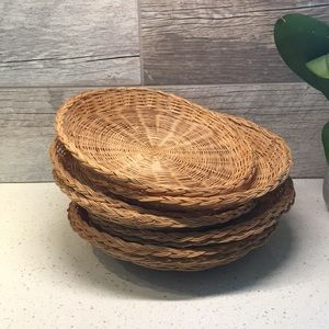 Set of 8 Wicker Plates Wall Hanging
